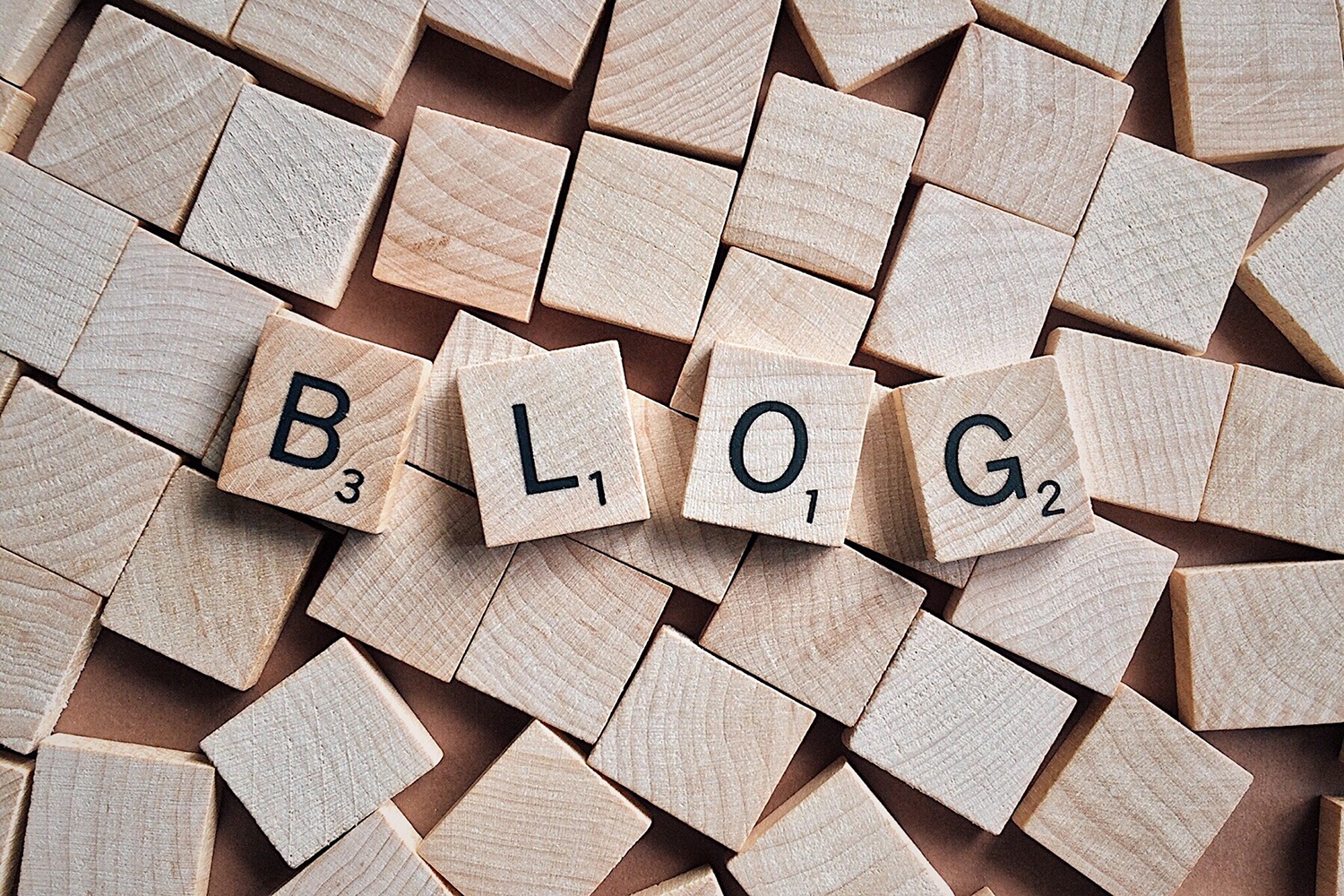 "block letters with ""blog"" spelled out"